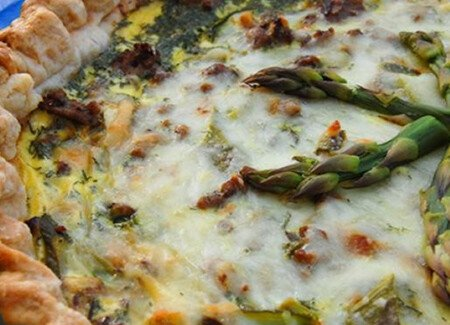 Quiche with Asparagus and Beef