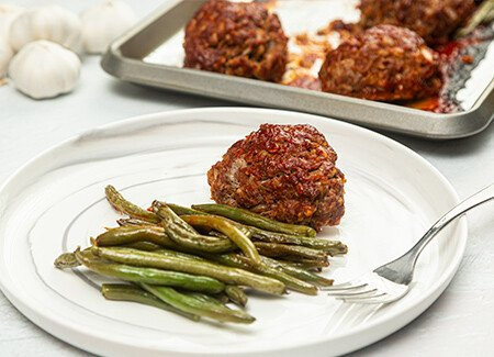 Sheet Pan Ground Beef Mini Meatloaves & Green Beans
