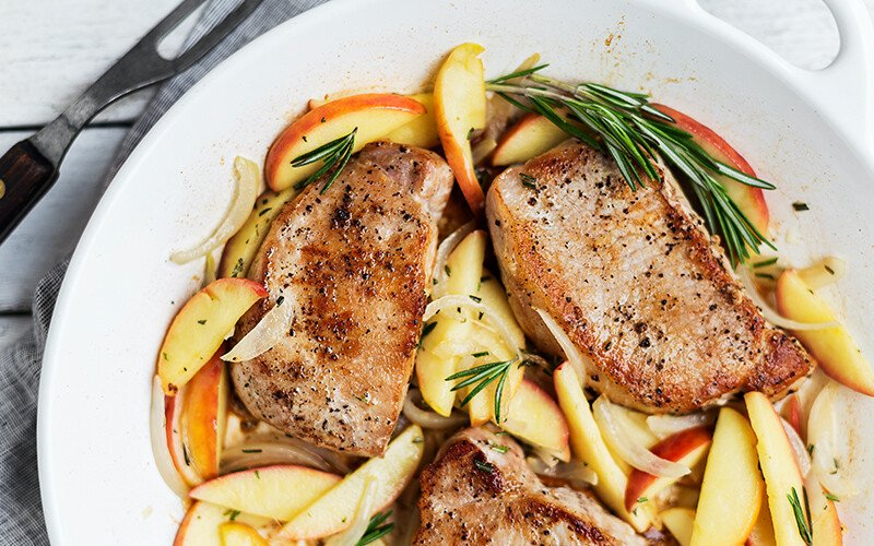 Skillet Pork Chops with Apples and Rosemary